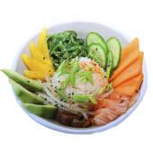 Sushi bowl z łososiem