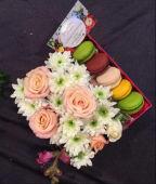 Box Roses Rose Et Blanc + Macaron