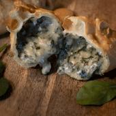Empanada De Espinaca Y Provolone