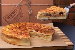 Пиріг з яблуком, родзинками та корицею (1200г)