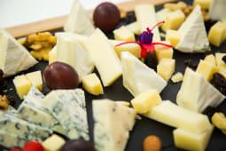 Platou brânzeturi nobile (2 pers.)