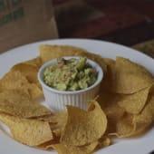 Orden de guacamole con chips