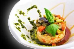 Рисовий салат з Тар-таром з лосося й смаженим рататуєм (265г)