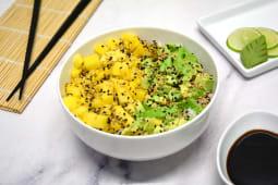 Chirashi Salad con mango, palta y phila