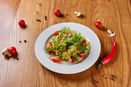 Салат з авокадо і кедровим горіхом (210г)