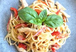 Паста з овочами-мікс і курячим філе (300г)