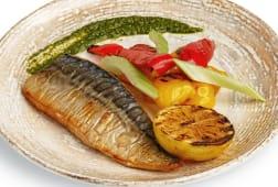 Скумбрія з овочами (240г)