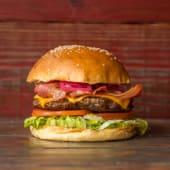 18. Hamburguesa con cheddar, panceta y lechuga