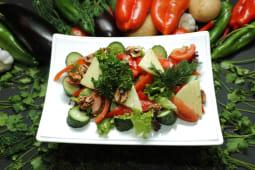 Салат из овощей по-грузински
