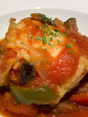 Tapa de bacalla amb samfaina de verdures