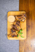 Курячі крильця в гострому соусі (300г)
