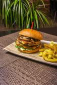 Billabong Burger (Cocodrilo)