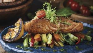 Сьомга-гриль на подушці із овочів (400г)