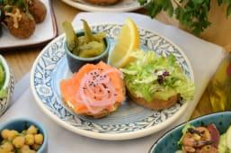 Сендвіч з лососем (225г)