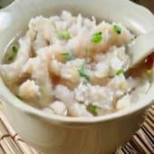 Sopa de fideo de soja con pescado y verdura china