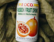 Натуральний тропічний напій зі смаком маракуйі