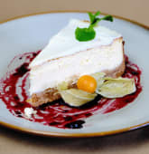 Cheesecake cu wildberry sauce