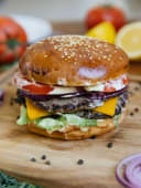 Двойной говяжий чизбургер