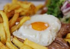 Costeleta de Porco Frita à Portuguesa