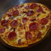 Pizza De Carnes (Personal)