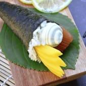 Temaki salmón, Philadelphia y mango (1 ud.)