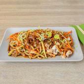 Udon grill wok rezanci s teriyaki piletinom
