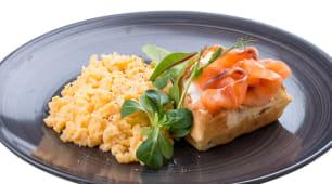 Scrambled omelette с лососем (250г)