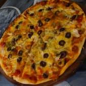 Pizza Amatriciana (Familiar)
