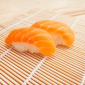 Nigiri de salmón (2 uds.)