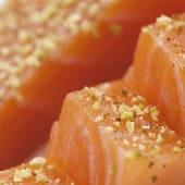 Lomo de salmón ahumado al gin tonic