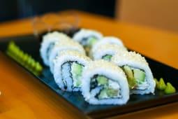 Sushi 8 rolls mix