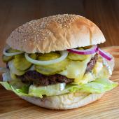 Burger Bomba serowa XL