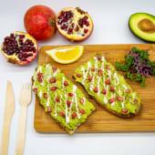 Avocado toast saumon