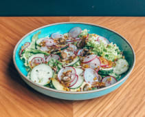 Салат з листя салату, стиглого авокадо, редису та огірка (200г)