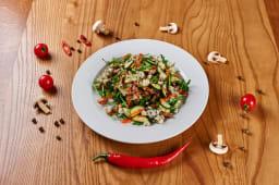 Салат з стейком з телятини і сиром Рокфор (250г)