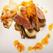 Magret de pato con salsa de naranja