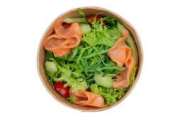 Мікс салата з слабосоленим лососем, томатами черрі  (140г)