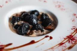 Пельмені з креветками, чорнилом каракатиці (200г)