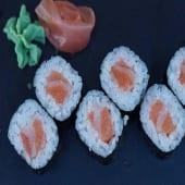Maki salmón (8 uds)