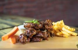 10 Wings + Porción de papas fritas + Gaseosa