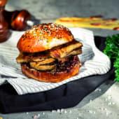 Burger vegetarian cu Halloumi