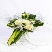 Aranjament trandafiri rose luxury în vas de ceramică alb