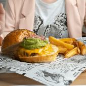 Rebelde Guei Burger