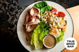Коб-салат із індичкою, блакитним сиром та авокадо (350/50г)