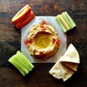 Хумус бокс з овочами та пітою