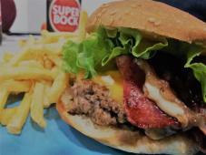 Hambúrguer Clássico