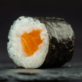Makis de salmón (6 pzs.)