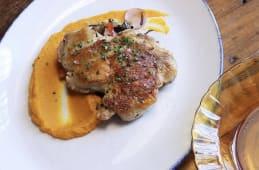 Churrasco de pollo con puré de zanahoria