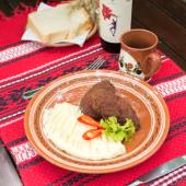 Pârjoale moldovenești cu piure de cartofi