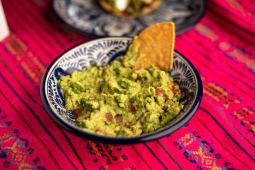 Nachos messicani con Guacamole